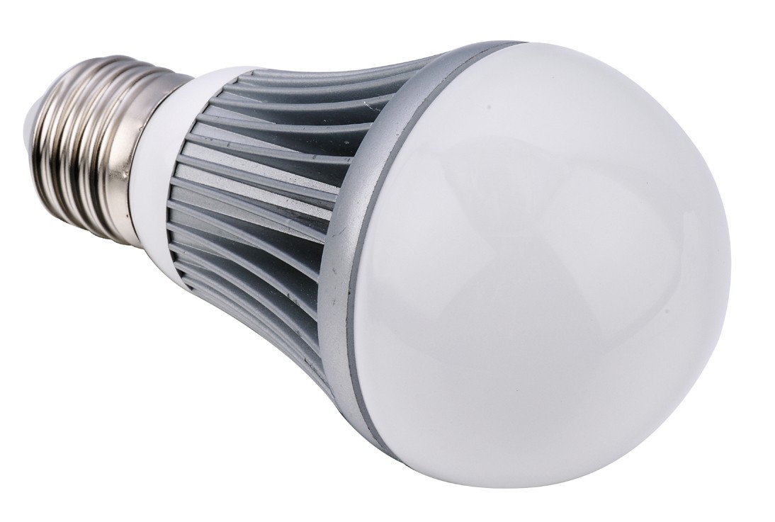 Ampoule LED dimmable E26 6W 220V blanc chaud