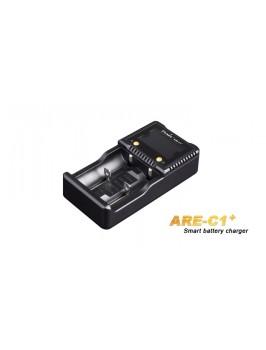 Fenix ARE-C1+ avec écran LCD pour piles 26650 , 18650 , 16340 , 14500 , 10440, Ni-MH / Ni-Cd: AA , AAA , C