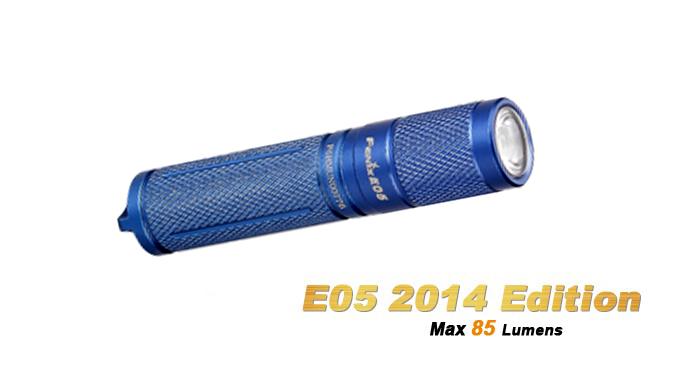 Fenix E05 - coloris bleu - édition 2014 - 85 Lumens + pile