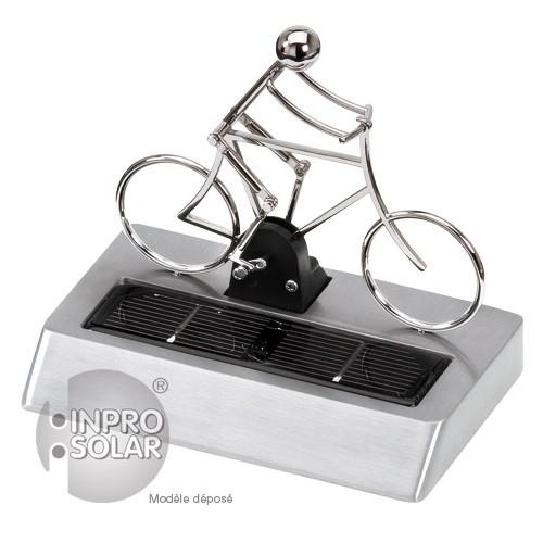 Cycliste solaire en métal